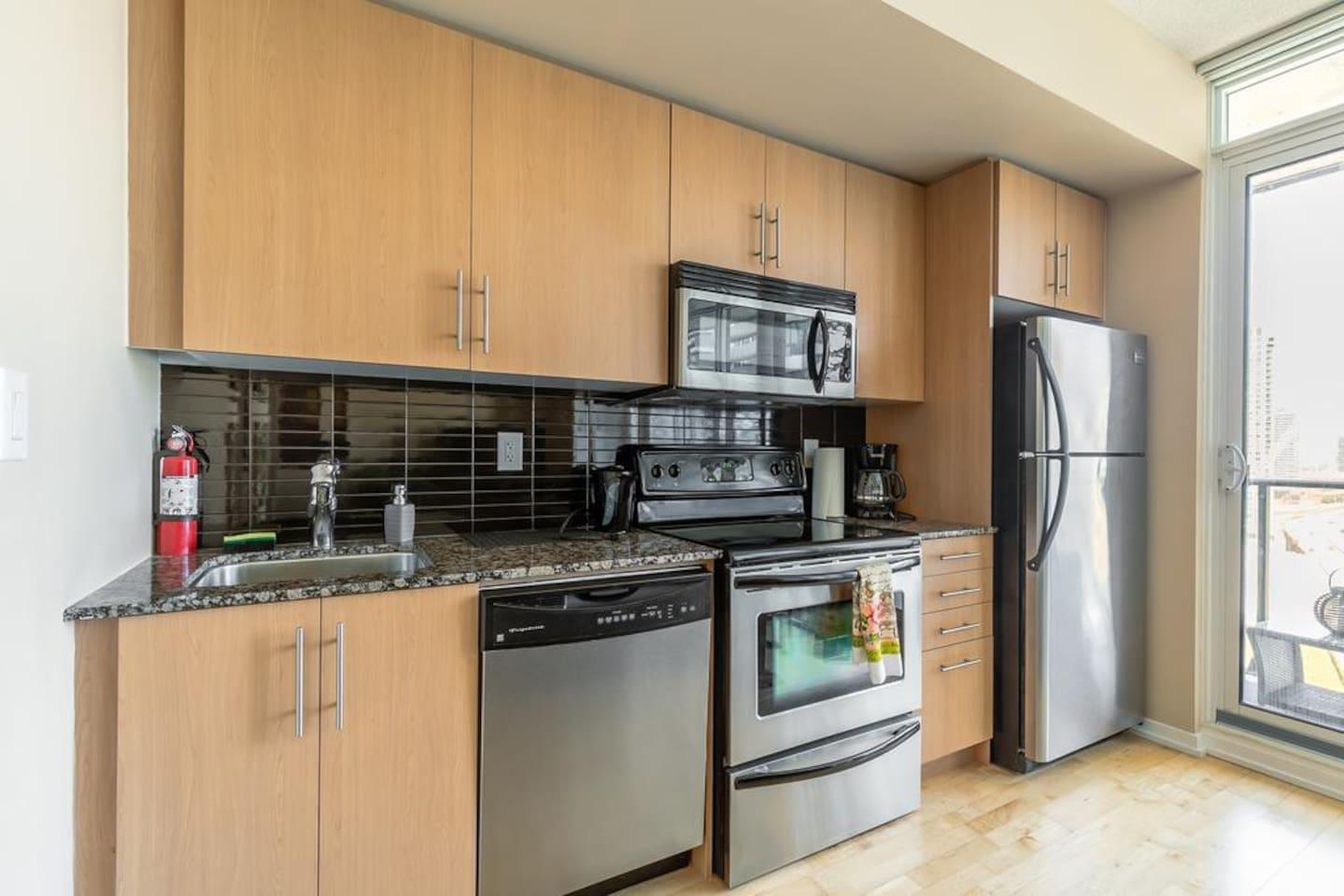 Full Size Kitchen Appliances