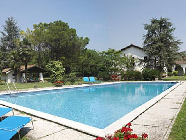 Large ancient farmhouse with pool and tennis pitch - Abano Terme - Casa