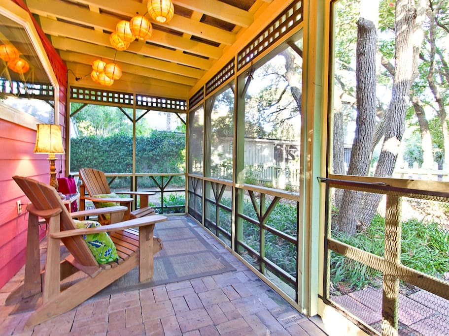 SeaBiscuit Cottage offers  charming and Whimsical Screened Porch