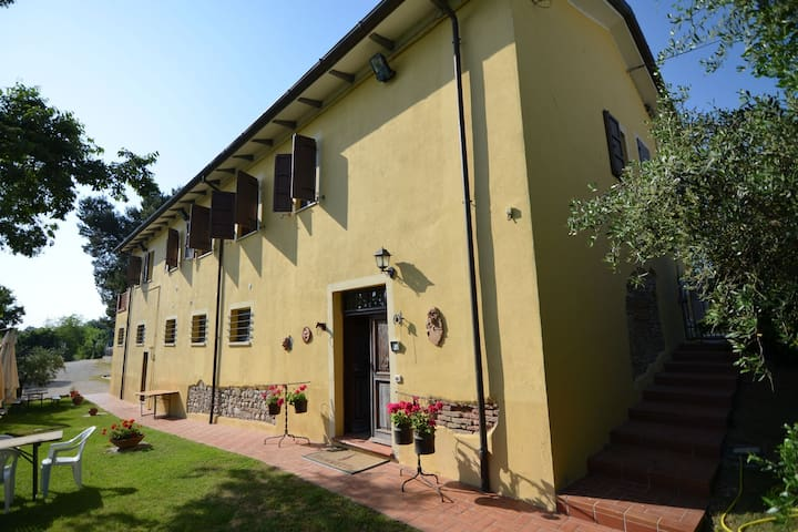 Lovely Holiday Home with Pool in Monte Colombo