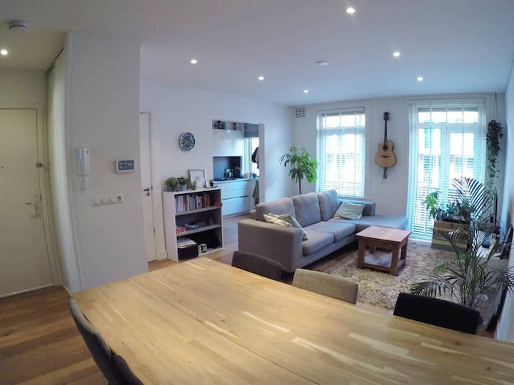 Modern & cosy home for 2 at hip east near centre