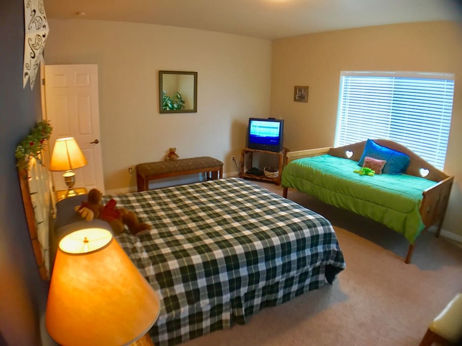 Master Bedroom with a queen bed and a twin bed.