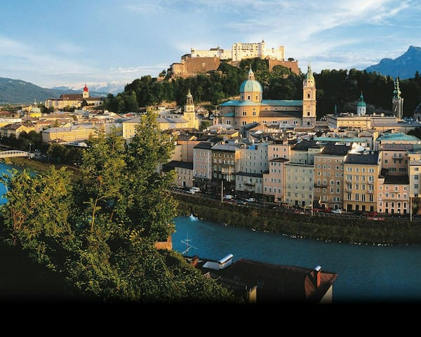 Amazing View, Cozy Center Apartment - Salzburg