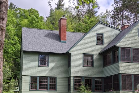 Superb ADK experience - 8 person spa, 6 fireplaces
