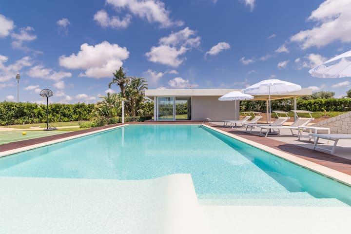 Venere, Villa mit Pool und eigenem Fitnessraum