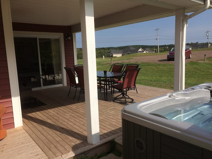 Oasis VIlla, Hot Tub, Pool❤️Comfy, 2 bd 2 bth❤️