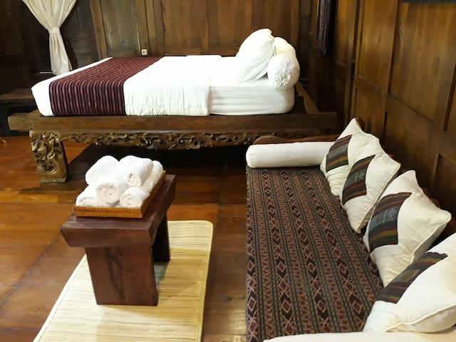 Omah Bungah (Rumah Limasan)