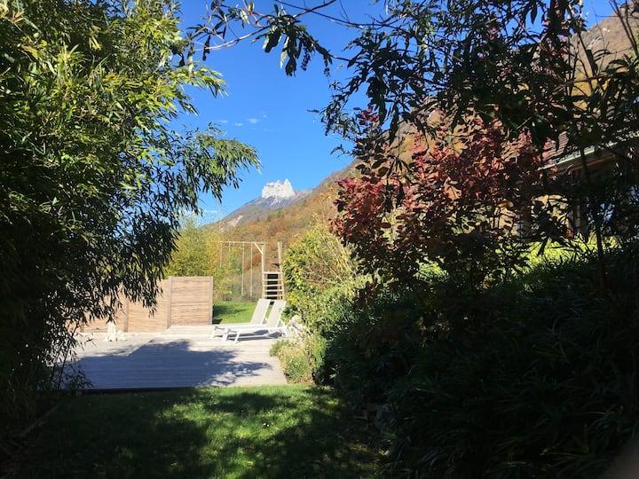 Vue 180° lac et montagne - VILLA écologique 5*