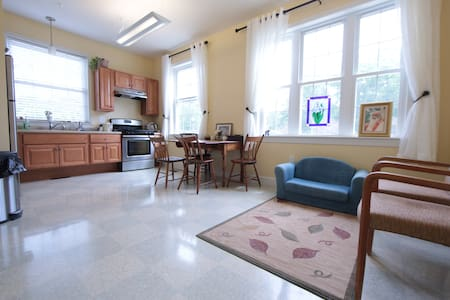 Sunny Suite in Good-Luck Building - Peterborough - Wohnung