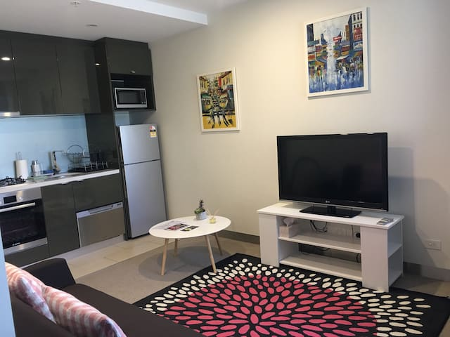 New  1BD apartment  close to city - Southbank