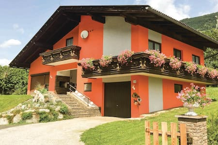 Holiday cottage with 3 bedrooms on 122m² in Kolbnitz