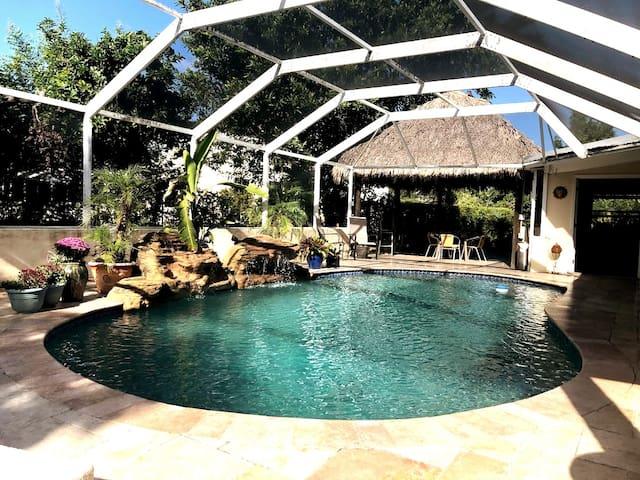 Hamilton House Miami Spectacular Pool/Tiki