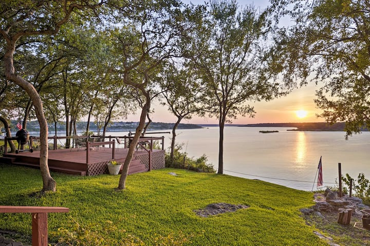 NEW! Belton Lake Studio w/ Deck on the Waterfront!