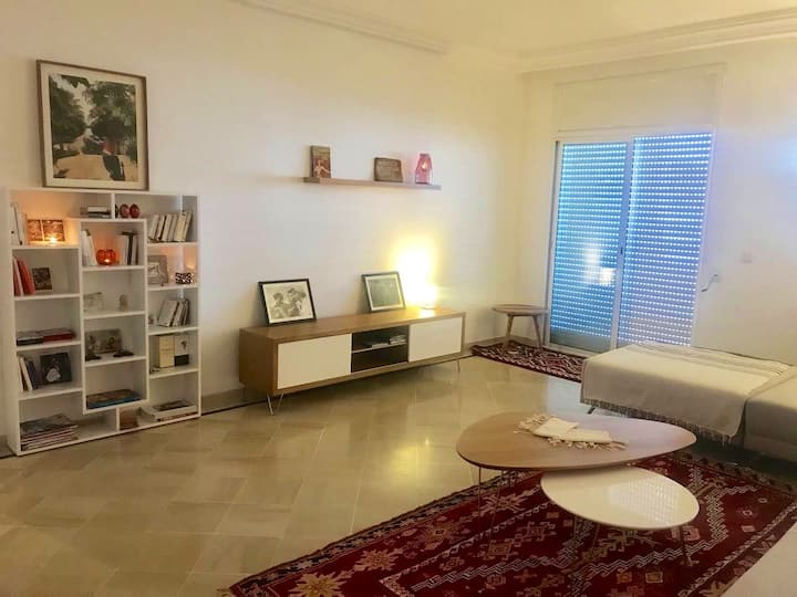 Private room in a nice and big flat in la Marsa