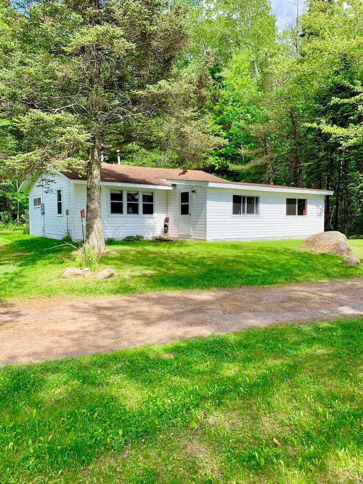 Lakeside cabin in Classic Hayward Resort