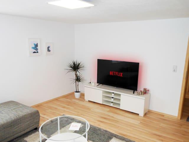 Bright Apartment - Free WiFi  - Self Check-In