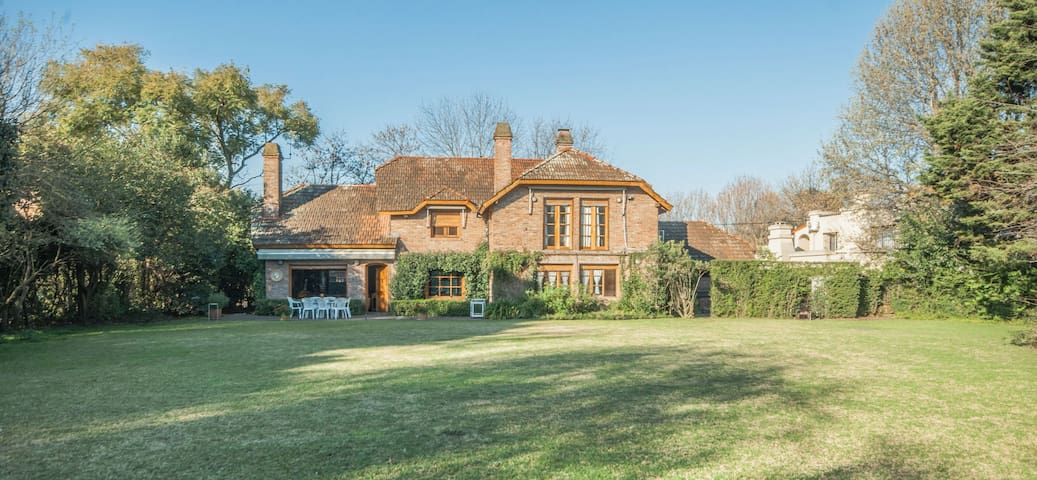 Casa Señorial, gran jardín y piscina