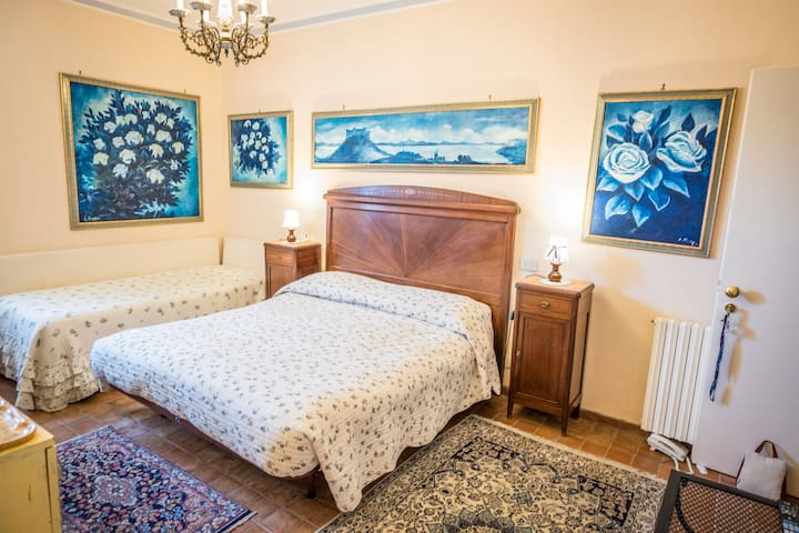 TRIPLE ROOM VILLA CLODIA