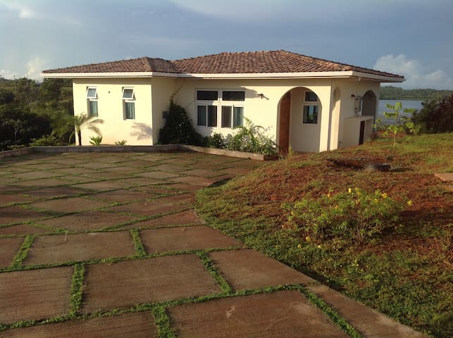 Charming and Relaxing Private Villa - David, Boca Chica - House
