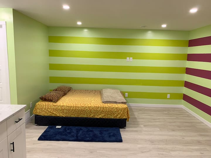 Beautiful Serene Basement Suite