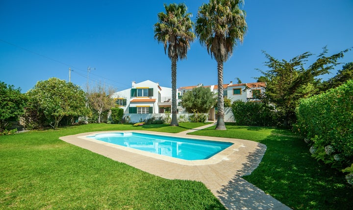 Sunny Meco Home- 4 bedroom house with pool