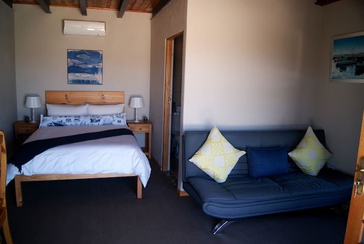 Mount Noah Lodge First Mates Cabin - Oudtshoorn - Wohnung