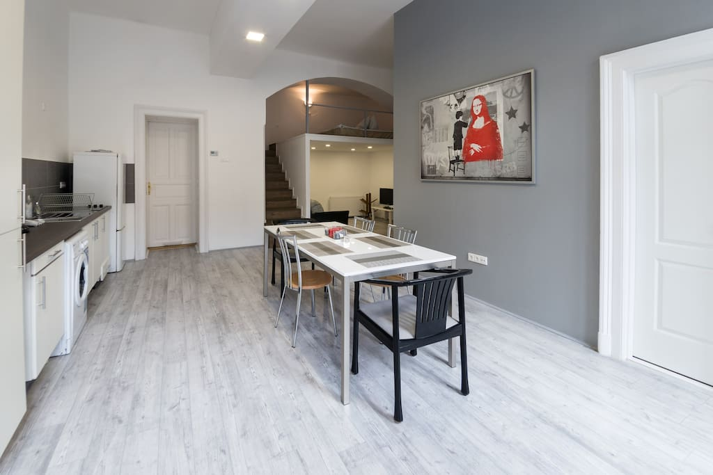 New modern and big flat in city center apartments for for Big city apartments