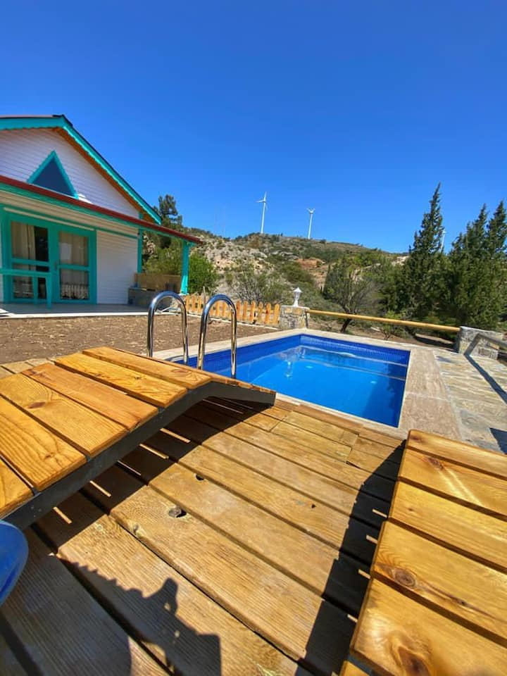 Villa Rengin (Havuzlu) Günlük Kiralık