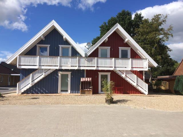 Haus VINDÖ und Haus  SKAGEN  Wohnung mit 2 Schlafz - Papenburg - Apartment