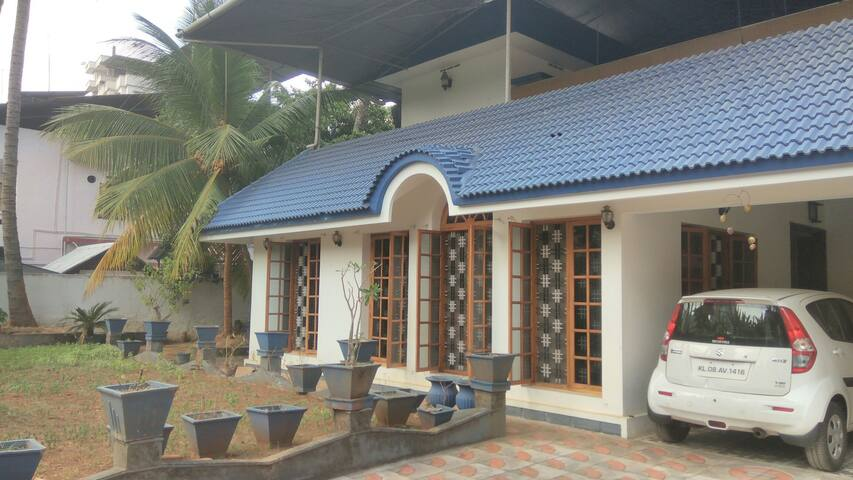 Shwetkiran Homestay. - Thrissur - House