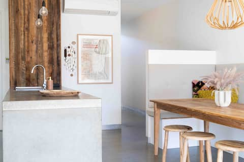 Bower's Nest; Eclectic Relaxed Beach House