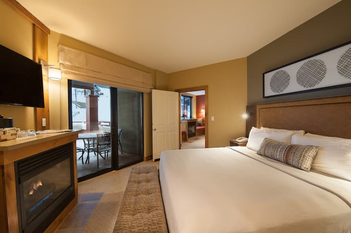 Deluxe Room + Ski-in/Ski-out Access | Heated Outdoor Pool
