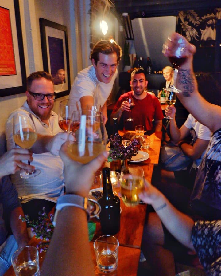 Drink with a fun group of travellers