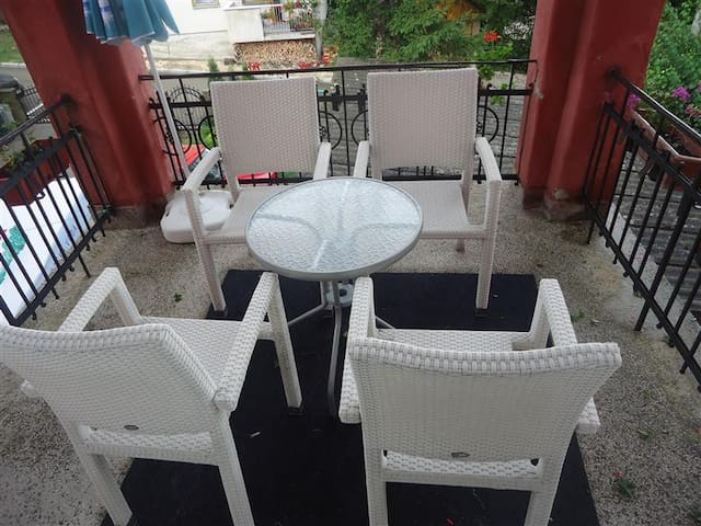 Warm and spacious apartment is Sokobanja spa - Sokobanja - Pis
