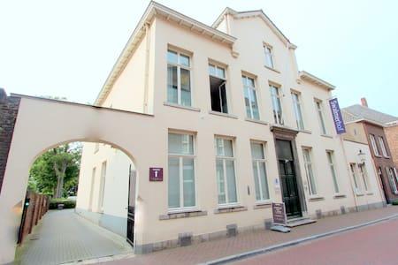 Villadelux Swalmerhof, kamer 11 (familiesuite) - Roermond