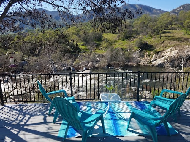 **Kaweah River House** - 1/2 Mile to Sequoia Park