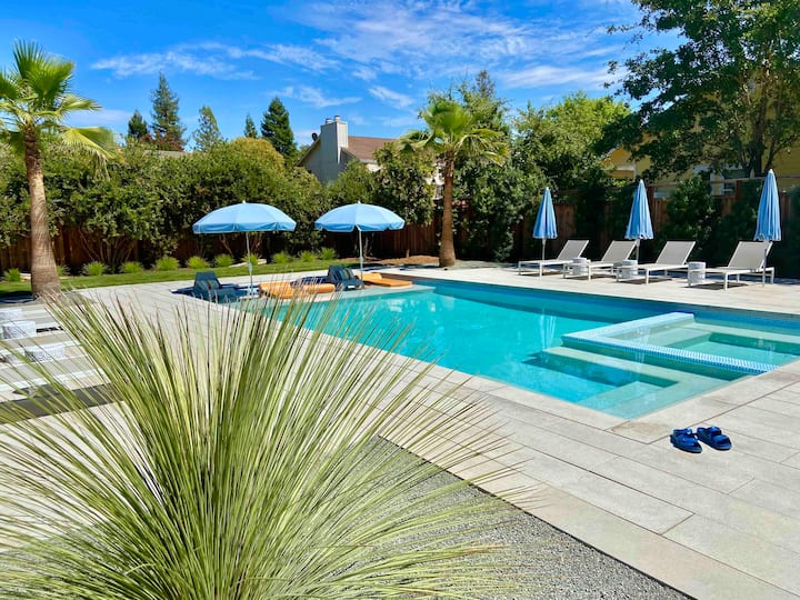 Quiet Mid Century Sonoma with Pool/Spa