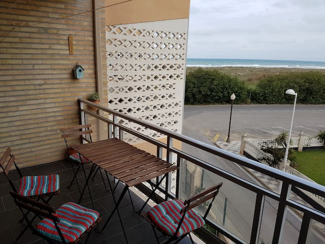 Apartment with beach view....
