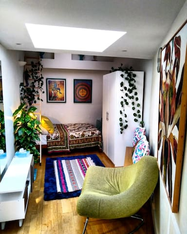 Charming Mews Studio - Ideal for a couple/single