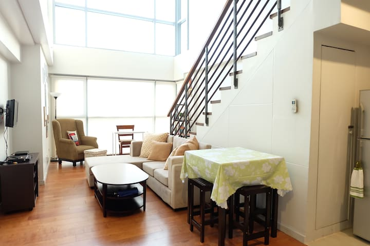 Best location! 1 BR loft across Greenbelt, Makati!