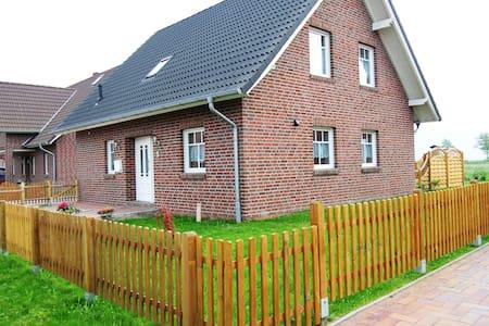 Ferienhaus Windrose - Krummhörn - Hus