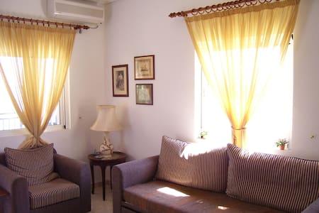 Παραθαλάσσιο Διαμέρισμα 50 m2 - Kato Almiri - Leilighet