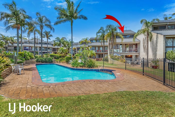Amazing waterfront location, pool, beach, water views, tropical gardens