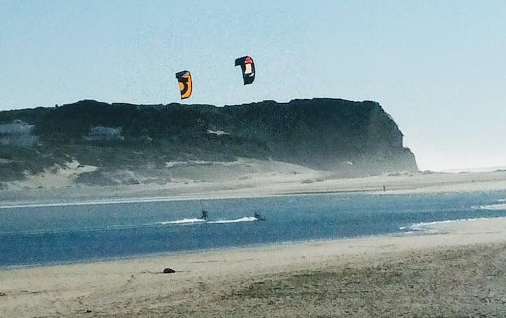 BUNGALOW, PATIO,  SURF BEACH FOZ DO ARELHO, WI-FI