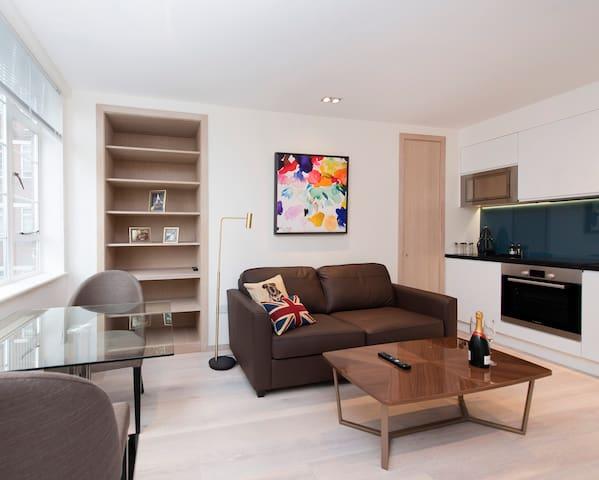 Luxury Chelsea Boutique Hotel-style Flat