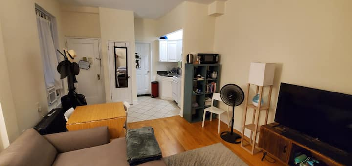 Spacious room in a 2 bdroom apt UWS great location
