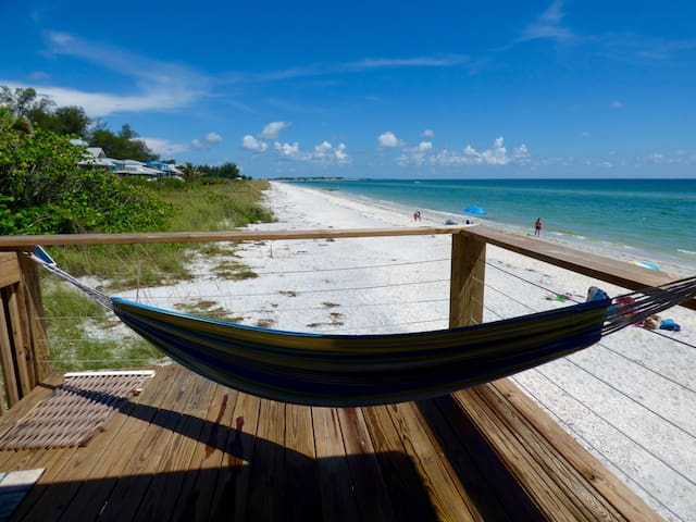 Bonefish Bungalow - Right on the Gulf of Mexico! - Placida