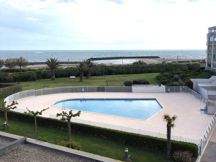 Moderne, vue mer, piscine, terrasse, plage Rochelongue, parking. Cap d'Agde