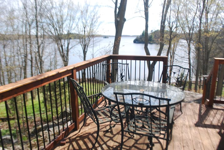 Cranberry Lake 3 Bedroom Renovated Viceroy Falcon