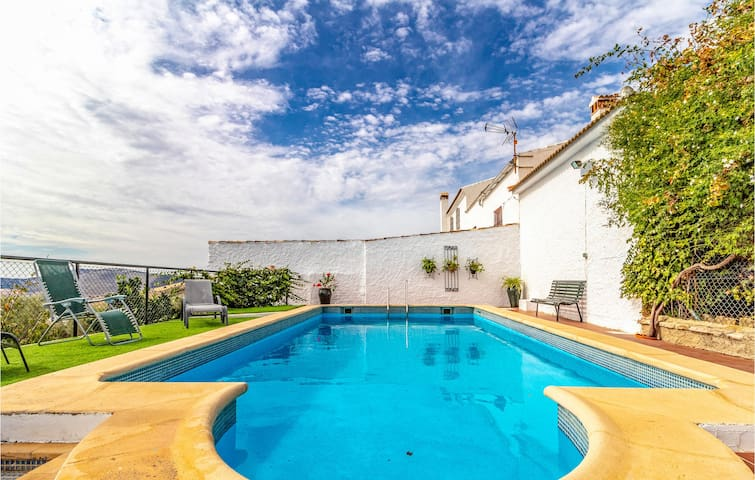 Holiday cottage with 5 bedrooms on 180m² in Cañete la Real